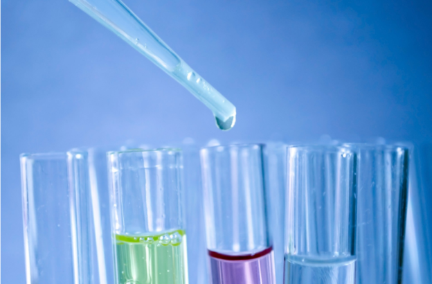 Laboratorio de investigación en salud, sanitario, estética. El acero inoxidable es un material para laboratorio.